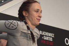 UFC už je v Praze! Pudilová měla největší aplaus, Polák nacvičil češtinu