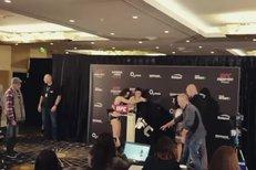Pudilová musela do naha! Dramatické vážení před UFC nakonec zvládla