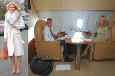 Babiš s Monikou na cestě do USA: Premiérova choť v bílém kabátu i pohled do nitra vládního speciálu