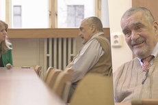Schwarzenberg měl v nemocnici po operaci ženskou návštěvu. Kandidátku na slovenskou prezidentku Čaputovou