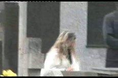 Vdova a nejbližší pozůstalí se loučí s Petrem Mukem.