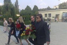 S Vladimírem Dlouhým se přišla rozloučit rodina, přátelé i fanoušci