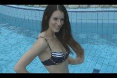 Miss ČR 2003 Lucie Váchová je stále krásná. Při focení v Aquaparku v Čestlicích se za touhle dívkou otočil snad každý chlap.