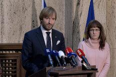 Koronavirus: V Česku jsou tři nakažení, oznámil ministr Vojtěch