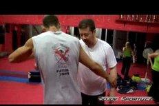 Tomio Okamura si vyzkoušel bojové sporty