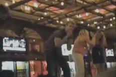 Video z mejdanu, kde pařil anglický gólman Joe Hart