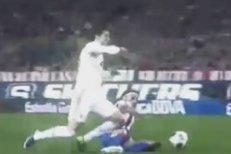 Tomáš Ujfaluši si Cristiana Ronalda hleděl opravdu pořádně, po jednom z jeho zákroků se měla pískat i penalta - nepískala
