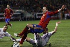 Rezkův penaltový faul na Iniestu a následná Villova branka