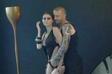 Sexy video silikonové krásky Vlaďky Erbové a sparťanského obránce Tomáše Řepky