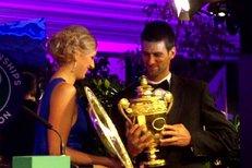 Petra Kvitová s Novakem Djokovičem na slavnostním wimbledonském banketu