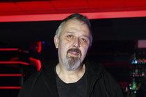 Kyklop z Maxim Turbulenc: Zlomil si krček v automyčce!