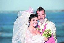 Herečka si vzala přítele Sašu rok a půl po zásnubách.