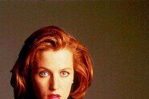 Agentka Scullyová v kůži Davida Bowieho!