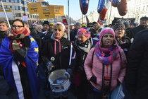 Demonstrace: Proti komunistům, Zemanovi i Babišovi