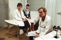 Co bylo ve filmu, platí i dnes! Tvrdý život zdravotních sestřiček: Špína, hniloba a sexuchtiví pacienti
