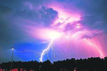 Extrémní bouřky a smrtonosné změny tlaku: Přežijeme?