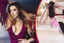 Zpěvačka Olga Lounová provokuje u tyče: Sexy akrobatka plná modřin!