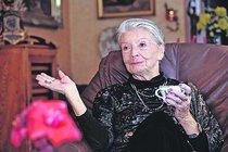 HEREČKA ZDENKA PROCHÁZKOVÁ (93): Jde jí o život
