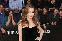 Jolieová a Hayeková: Vstanou nové bojovnice!