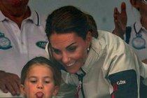 Princeznička vévodkyně Kate jde do školy: První den za půl milionu!