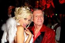 Miliardy zakladatele Playboye (†91): Vdova nezdědí ani floka!
