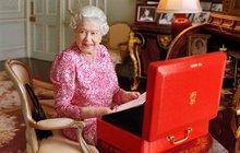 Nabitý den královny! V kolik vstává? Čte? Pracuje? Víme to!
