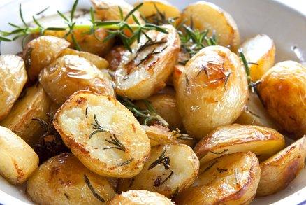 Glazované brambory s bílým vínem