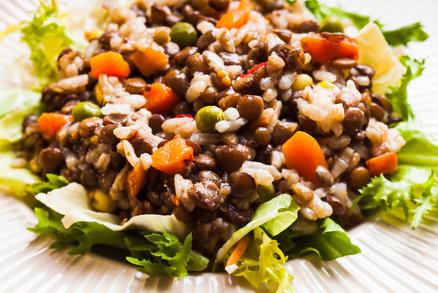 Rýžovo-čočkový salát