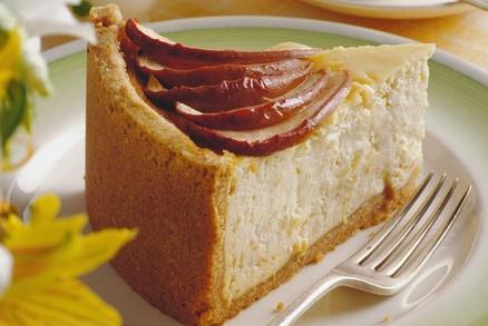 Medový dort s jablky a tvarohem