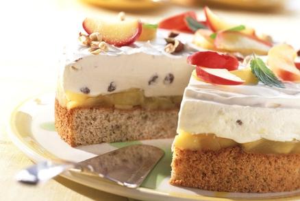 Ořechový dort s jablečnou náplní a tvarohovým želé