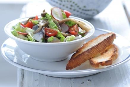 Salát z marinované ryby