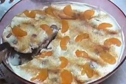 Smotanová ovocna torta