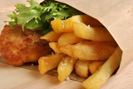 Fish and chips si můžete dát v Británii na každém rohu