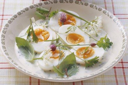 Vejce v bylinkové omáčce