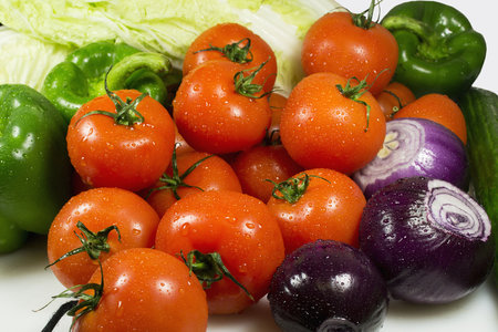 Víte, kterých patnáct potravin můžete klidně sníst, aniž byste po nich přibrali byť jednu kalorii?
