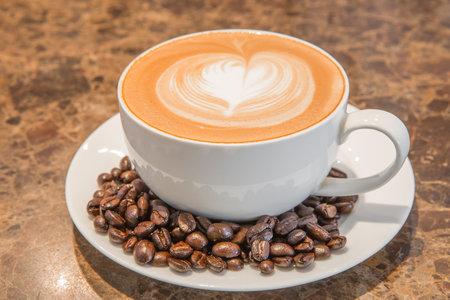 Káva může zhoršit bolestivé křeče během menstruace.