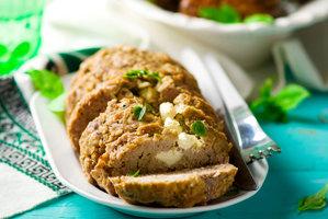 Nejlepší recepty na nedělní sekanou: S houbami, sýrem nebo po staročesku