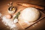 Jak nahradit chybějící ingredience: Když dojdou vajíčka, mléko či kypřicí prášek