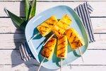 VIDEO: Poslední grilování sezony si zaslouží ananas s medovou marinádou