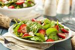 Letní saláty: S rukolou, jahodami nebo odlehčený s bramborami! Všechny si zamilujete!