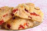 Třešňové sušenky s marcipánem