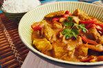 Červené kuřecí curry