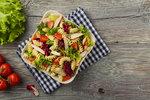 Těstovinový salát s kuřetem