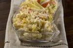 Bramborový salát s jablky a ořechy