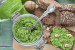 Medvědí česnek je všude: Vyzkoušejte ho v polévce, knedlíčcích nebo v pestu