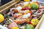 Nestihli jste naložit maso a potřebujete marinádu, kterou budete maso během grilování potírat? Vyzkoušejte limetkovou s jalapeňos papričkami. Nejlépe vynikne na krevetách a rybách, použít se dá ale i na kuřecí či vepřové maso.