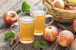 Vyrobte si domácí cider z vlastních jablek! Snadný recept, který zvládne každý