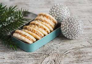 Jednoduché krémy na slepování vánočního cukroví i do dortů!