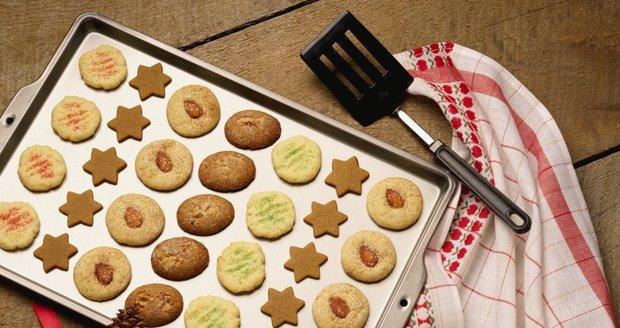 Výzkum prokázal, že si stále zachováváme vánoční tradice a cukroví si pečeme sami