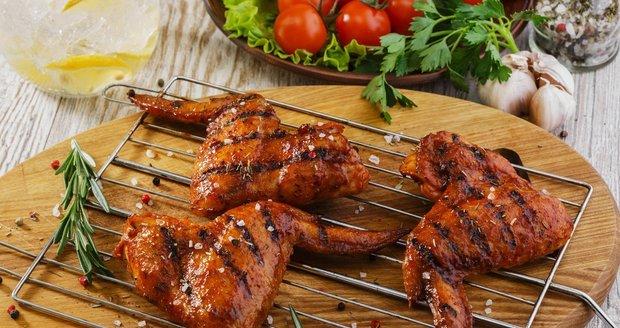 Jste-li začátečníci, raději si na grilování hovězího netroufejte. Zvolte třeba kuřecí.
